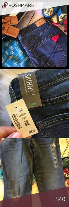 """Aeropostal Low Rise Skinny Jeans Brand new with tags. Never worn because the ankles are a bit wider than I like. Has everything, tags and stickers, attached. Bought a month ago. Bit of distress shown in pics. Very soft and comfy. Length is 29"""", waist is 14.5"""", ankle opening is almost 6"""". Size is 2 short. Aeropostale Jeans Skinny"""