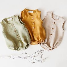 Sage Green, Mustard, Beige 💛 these gender neutral bubble onesies are so popular with you 💛 should I add sleeves version to autumn… Boys Summer Outfits, Baby Boy Outfits, Kids Outfits, Baby Girl Fashion, Kids Fashion, Babies Fashion, Gothic Fashion, Essentiels Mode, Baby Kids Clothes