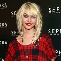 Taylor Momsen's hair is perfect.