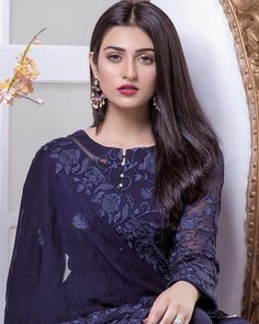 Most Favourite Collection Of Pakistani Celebs Sara Khan Pakistani, Pakistani Girl, Pakistani Dress Design, Pakistani Actress, Pakistani Models, Pakistani Party Wear Dresses, Indian Dresses, Pakistani Outfits, Indian Designer Wear