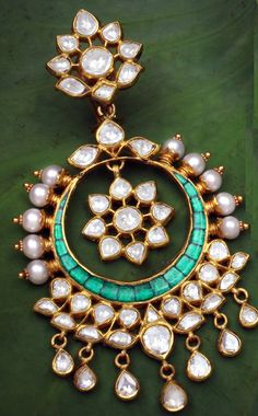 .Indian Wedding Jewellery...Not able to take my eyes off...