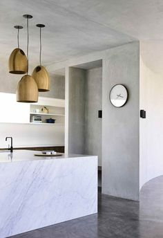 A heritage bungalow with a dramatic modern renovation Concrete Interiors, Concrete Jungle, Luxury Decor, Dream Rooms, Home Decor Styles, Home Decor Inspiration, Contemporary, Modern, Floating Shelves