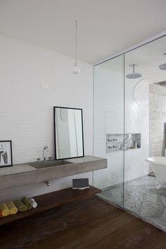 concrete sink, tub & shower bathroom design decorating before and after design ideas Concrete Bathroom, Bathroom Countertops, Concrete Countertops, Concrete Bench, Cement Counter, Poured Concrete, Polished Concrete, Concrete Shower, Stone Bathroom