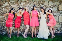 mixed coral bridesmaid dresses photographed by www.mattguegan.com/en/