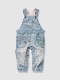 Jardineiras em ganga #denim #ganga #jeans #novacoleção 2016 #jardineiras #calção #estampado #menina #azul #bebé