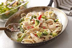 Shrimp & Broccoli Fettuccine recipe. Make it Gluten Free and Visit www.Absolutelygf.com for more! #Glutenfree #Yummy #Recipe #Pasta #Italian #AbsolutelyGF