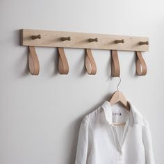 Understated and stylish, the Kelston 5 Peg Rail Coat Rack features five wooden pegs and five leather loops, making it ideal for hanging up your coats. Retro Furniture, Diy Furniture, Furniture Design, Industrial Furniture, Shaker Furniture, Furniture Removal, Furniture Assembly, Vintage Industrial, Coat Hanger