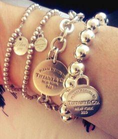 Beautiful Tiffany And Co Jewelry, Tiffany Bracelets, Love Bracelets, Silver Bracelets, Bangle Bracelets, Silver Jewelry, Bangles, Cute Jewelry, Jewelry Accessories