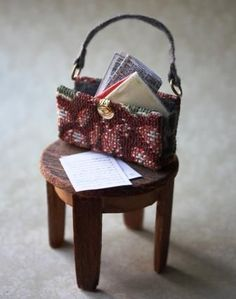 DIY miniature tapestry bag - not hard and has interesting details Source: Collector's Club of UK