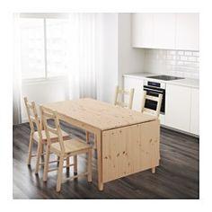 IKEA - NORNÄS, Klapptisch, Massive Kiefer ist ein Naturmaterial, das in Würde altert und mit der Zeit einen besonderen Charakter bekommt.Unbehandeltes massives Kiefernholz ist ein robustes Naturmaterial, das nach Bedarf und zur Erhöhung der Haltbarkeit lackiert, geölt oder lasiert werden kann.