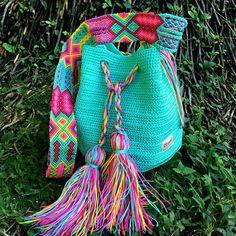 "Maya Backpack ""Round"" design by Artesanalmex Tapestry Crochet, Knit Crochet, Sacs Design, Boho Bags, Crochet Purses, Friendship Bracelet Patterns, Knitted Bags, Handmade Bags, Bobbi Brown"
