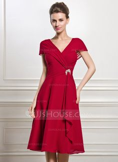 A-Line/Princess V-neck Knee-Length Chiffon Mother of the Bride Dress With Beading Sequins Cascading Ruffles (008056884)