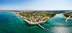 Die familien- und hundefreundliche Ferienanlage in Kroatien mit Campingplatz, Glamping, Appartements, Mobilhomes direkt am Meer mit Hundestrand, Hund-Dusche...