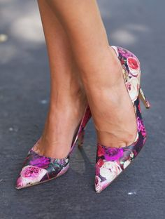 Image from http://www.nawo.com/wp-content/uploads/2014/08/kate-spade-New-York-Licorice-Too-Pumps-679x898.jpg.