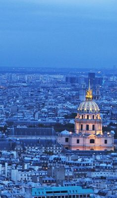 Paris do alto da Torre Eiffel e do Arco do Triunfo. Outra forma de ver a maravilha que é a Cidade Luz lá do alto.