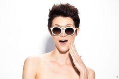 c697571ce4c0e Óculos de Sol Redondo estiloso moderno fashion diferente melhor preço  barato feminino masculino Modelo LyonUi! Gafas, Tamanho Médio, Armação de  Plástico e ...