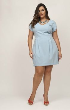 Plus size boutiques and stores are dedicated to plus sizes garments and offer a wide range of garments to the ladies looking for plus size clothing and apparels. Big Size Dress, Plus Size Dresses, Plus Size Outfits, Fancy Dress, Plus Size Fashion For Women, Plus Size Womens Clothing, Size Clothing, Moda Plus Size, Plus Size Girls