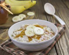 Mic dejun rapid: porridge de ovaz cu banane » Andreea Raicu