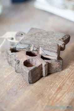 Bindi box by Hoffz
