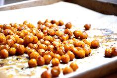 Sweet n' Crunchy Roasted Chickpeas (Gluten-Free & Vegan)