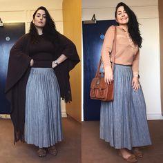 """""""Celia, mas você não repete roupa?"""" PARTE 5: De gaúcha dos pampas até boho chic, a saia longa é excelente para os dias de descontração e preguiça. Esse modelo plissado é ótimo porque não amassa fácil, e quem aqui não adora praticidade? Me diz, você gosta de saia longa? ❤️ . . . #modesty #modestia #modestymatters #modestiasemfrescura #fashion #fashionblogger #christianblogger #lookoftheday #ootd #outfitoftheday #tbt #catholic #catholicism #trend #makeup #makeupinspiration #catholiclady…"""