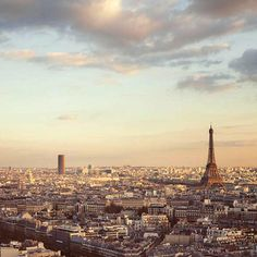 Doesn't this image make you dream? Paris will always have a romantic allure... - Vicki Archer