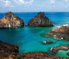 Las islas e islotes que componen el archipiélago son la parte visible de un enorme volcán.