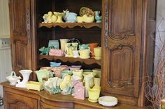 I repinned this from http://wallawallalocal.wordpress.com/2011/03/18/all-it-takes-is-love-and-lori-for-a-great-antique-display/