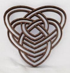 Mothers Heart Knot. Part of the Celtic Inspirations pattern. https://www.etsy.com/shop/ClaytonsPatterns