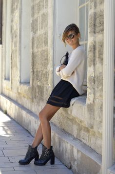 Bess Skirt / Gat Rimon with Sweater & Boots