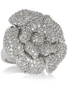 Rhodinierter Ring mit Cubic Zirkonia-Steinen