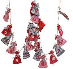 Adventskalender-Girlande Socken Wolle gestrickt rot creme braun selbstbefüllen