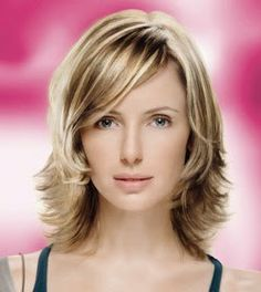 Keep calm and your hair in check with these heroes Are you having 'a good hair day'? Medium Layered Hair, Medium Long Hair, Medium Hair Cuts, Short Hair Cuts, Medium Hair Styles, Short Hair Styles, Hair Origami, Rachel Green Hair, Messy Bob Hairstyles