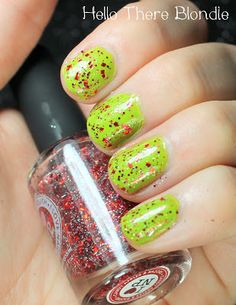 Grinchy Christmas Nails