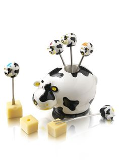 Boska Holland Party Pic Set Novelty Cocktail Picks For Cheese Snacks Cow Holder Cow Ornaments, Cow Kitchen, Kitchen Ware, Kitchen Decor, Cow House, Party Set, Cheese Snacks, Wmf, Cow Print
