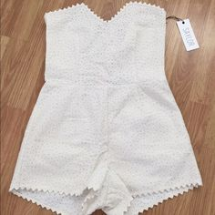 White eyelet romper / play suit / jumpsuit size M 100% cotton ; sweetheart neckline - NEW with tags, never used Saylor Dresses Mini