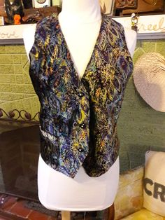 Check out this item in my Etsy shop https://www.etsy.com/listing/495787306/upcycled-patterned-velvet-vest