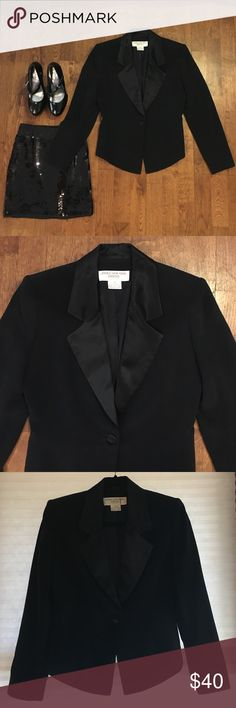 JONES NEW YORK size 4 Petite Black Tuxedo Jacket Classy black JONES NEW YORK single button tuxedo style shape hugging waist-cut jacket with a single satiny button and notched lapel. Slightly shorter in back. I love this piece but I don't need more than one--or so I'm told 😋 Jones New York Jackets & Coats Blazers