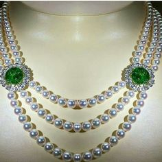 Miki moto @civetta_rossa Wonderful pearl and emerald necklace by @mikimoto Exceptional colour. South Sea Pearls Astonishing luminescence. Precious. #southseapearls