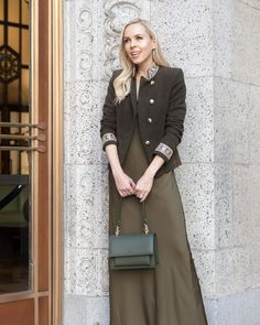 always dressing in monochrome mode and the angela roi elouise satchel fits right in with this olive ensemble for a chilly day in san francisco Angela Roi, Vegan Style, Vegan Handbags, Vegan Fashion, Street Fashion, Monochrome, Your Style, San Francisco, Satchel