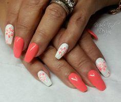 Coral and white with flowers #inklondon #3dgel #coralnails #acrylicnails #whitenails @scratchmagazine #gelpolish #nails #nailsoftheday #nailart #showscratch #scratchmagazine #notd #nailsofinsta #naildesign #naildesigns #shaftesburynails #dorsetnails #gillinghamnails #moleenddesign @i.n.k_london