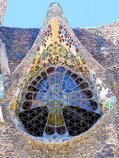 Chapel in the Colonia Guell in Santa Coloma de Cervello (Catalonia, Spain). Spanish Architecture, Art Nouveau Architecture, Beautiful Architecture, Beautiful Buildings, Architecture Details, Dubai Architecture, Gothic Buildings, Modern Buildings, Art Du Monde