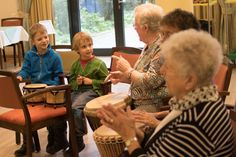 """Kinder im Seniorenheim: """"Hier dürfen wir lauter sein als im Kindergarten"""" - SPIEGEL ONLINE - Leben und Lernen"""