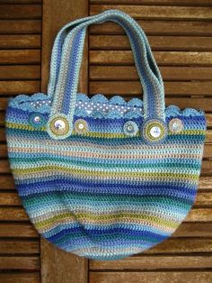 great crochet bag from attic 24.  she has the instructions for the bag on another post of her blog.  i just wanted to pin this one for the colors!