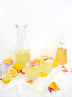 I love lemonade and crave it all summer long (it's always a must-have when I go to the county fair to get a huge, icy cup of it)! I've been wanting to make elderflower lemonade for a wh…
