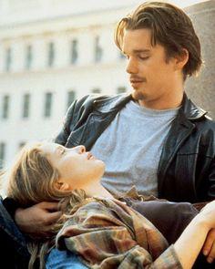 """Hat das Schicksal nicht allen von uns schon mal ein Schnippchen geschlagen? Vielleicht mögen wir deshalb den ultimativen Liebesfilm """"Before Sunrise"""" mit Ethan Hawke und Julie Delpy von 1995 so gerne: Die beiden treffen sich, reden die ganze Nacht, und müssen sich wieder trennen. Hach, die Liebe ..."""