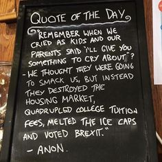 Hilarious Shop Owners Who Perfectly Combined Their Humor And Marketing Skills Its Friday Quotes, Sunday Quotes, Funny Sites, Videos Funny, Humor Videos, Funny Pictures With Captions, Funny Photos, Top Funny, Hilarious
