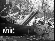 Damage To Buckingham Palace Moving Out, The Last Time, Buckingham Palace, Classic Movies, Past, British, London, Explore, World