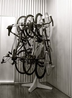 a coat rack for multiple bikes. Bicycle Storage, Bicycle Rack, Bicycle Shop, Casa Gaudi, Bike Repair Stand, Bike Storage Solutions, Range Velo, Bike Hanger, Bike Room