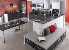 cuisine rouge et gris anthracite Lapeyre, mur briques rouge